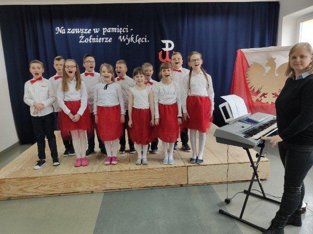 Narodowy Dzień Pamięci Żołnierzy Wyklętych w szkole w Podjazach